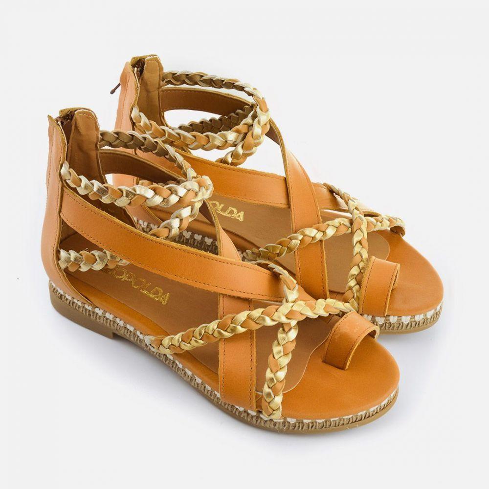 130caf6375a Sandalias chatitas de cuero color suela con trenzas doradas Sandalias  Bajitas