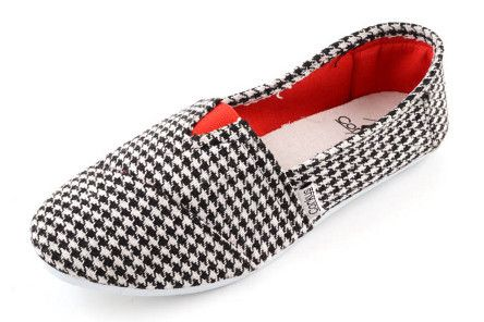 Houndstooth Sues