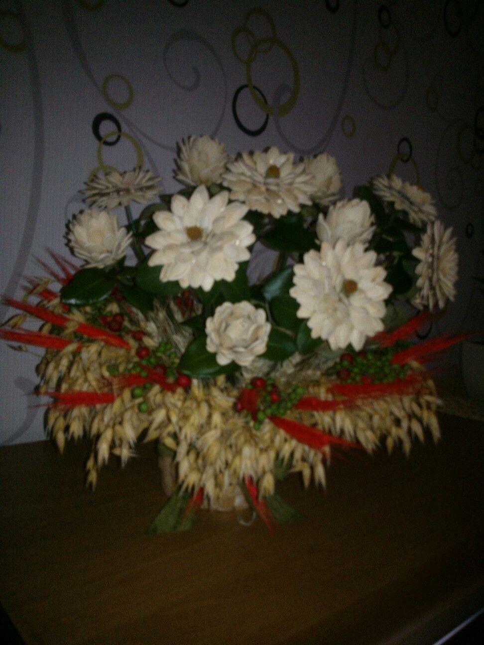 Bukiet Z Kwiatow Z Pestek Dyni Christmas Wreaths Holiday Christmas