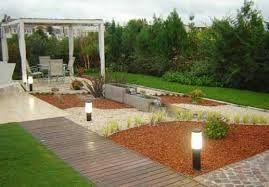 Disenos con piedras en jardin buscar con google diseno for Jardines modernos con piedras