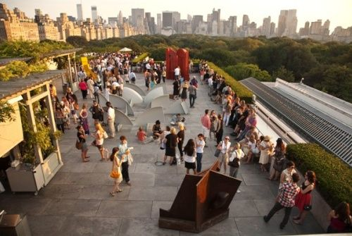 The Metropolitan Museum Roof Garden Cafe Martini Bar Roof Garden Beautiful Roofs Best Rooftop Bars Nyc