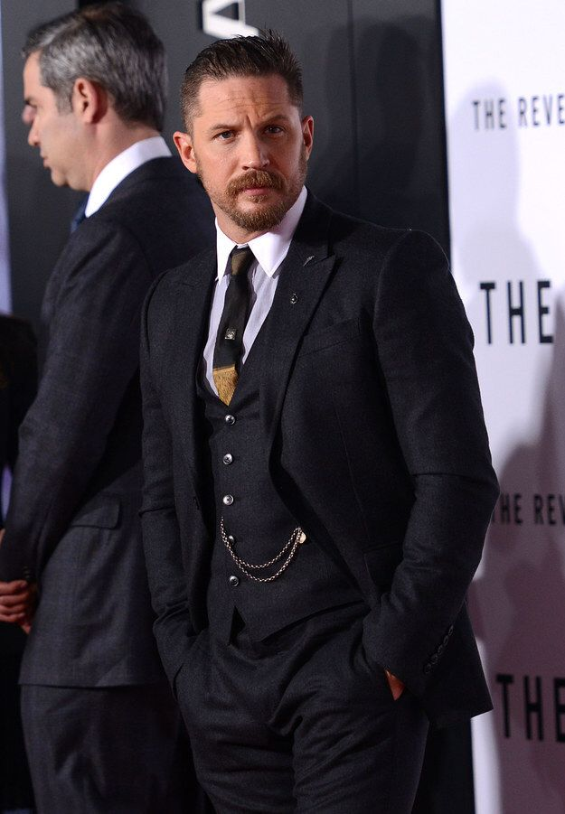 size 40 9281e dcdc4 Tom Hardy with his watch chain like a timeless badass