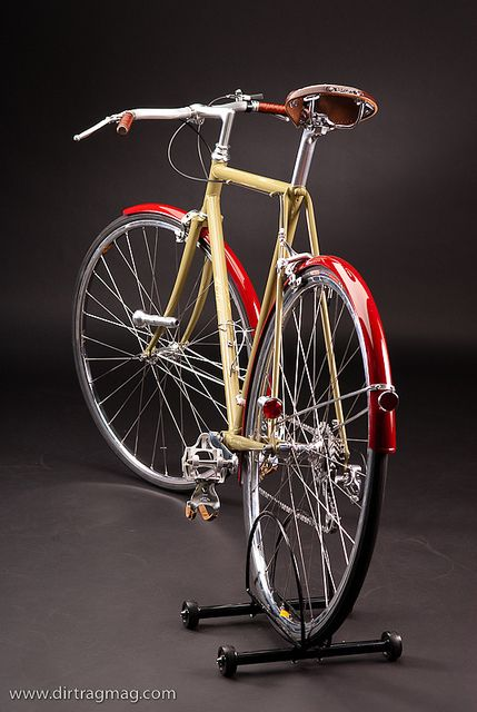 Badass Fixed Gear cruiser style!! I want to build one now!