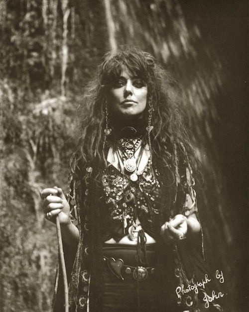 Vali Myers. Sha-woman, artist, witch, adventurer and activist. Fierce and in control. Muse to her followers. Fox tamer.