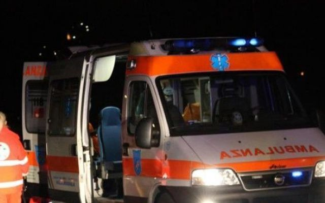 Coppia rapita da due rumeni. lei presa a bastonate sulla testa è successo al Tuscolano #coppia #rapimento #rumeni