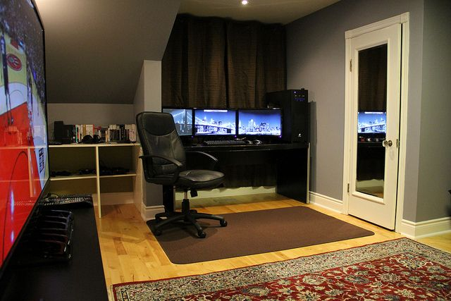 Charmant Top 15 Cool Computer Room Arrangements : Minimalist Cool Computer Room  Space With Black SpaceSaving Computer