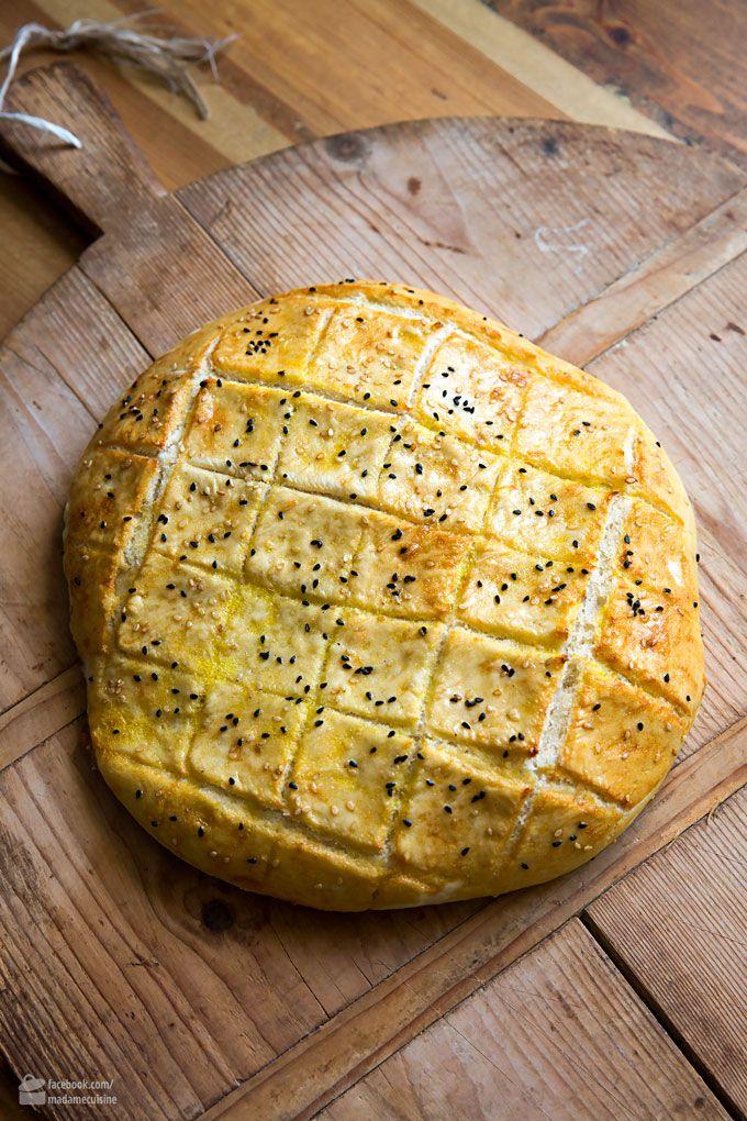 Baking Turkish flatbread yourself – very easy