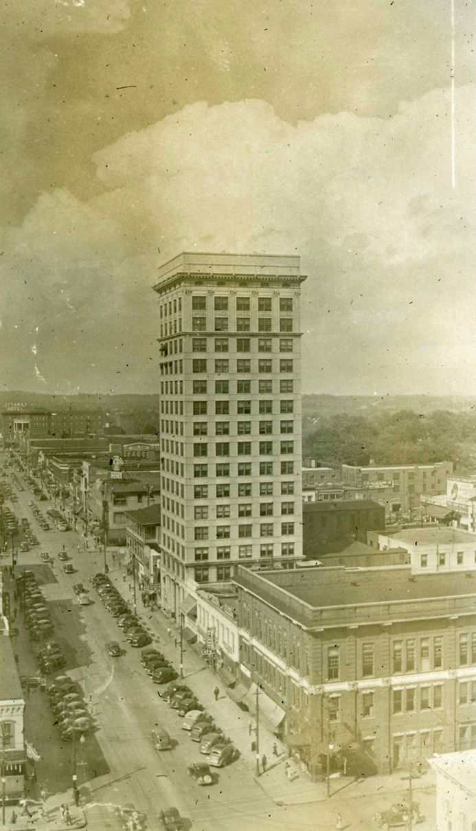 Did You Know Greenville Once Had The Tallest Building In Sc Completed In 1923 The Woodside Building Historic Greenville Old Photos Greenville South Carolina