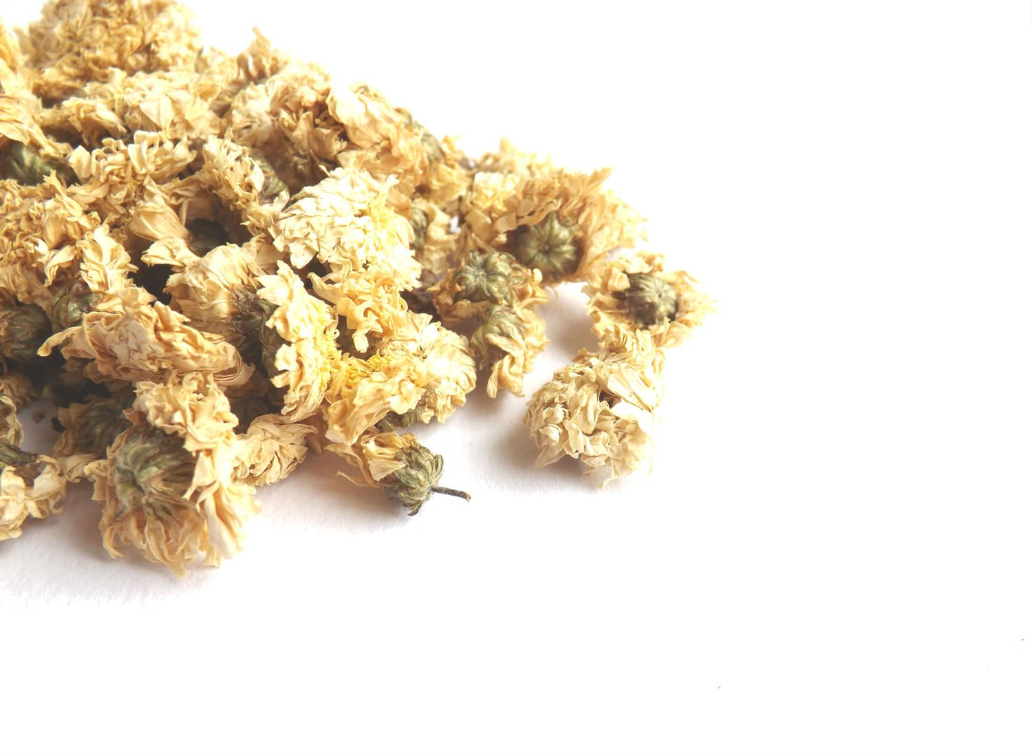 Chrysanthemum Flowers 1 2oz 1oz 2oz Dried Natural Biodegradable Dried Flowers Craft Soap Making Bath Bomb Candle Tea Making Dried Flowers Chrysanthemum Flower Chrysanthemum Plant