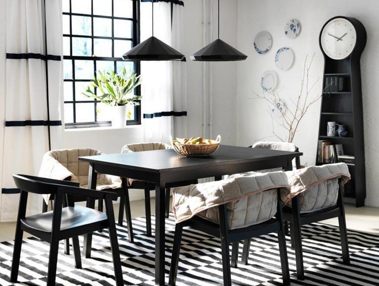 Weiße Wände - Möbel in Schwarz treffen auf weiße Wände Klare