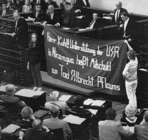 Protesta contra el gobierno aleman tras la muerta de Albrecht Pflaum