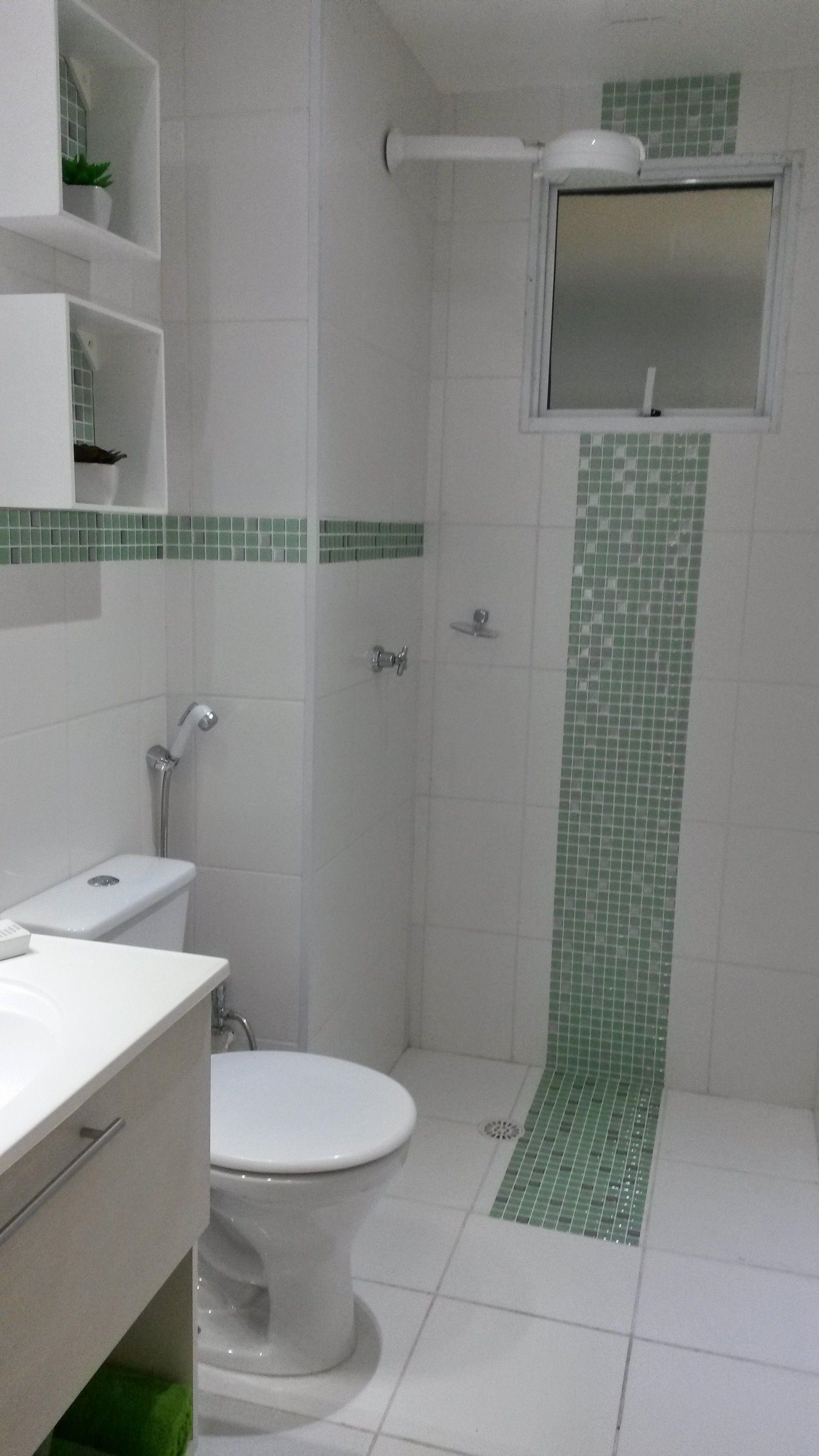 Banheiro com pastilha adesiva  Banheiros  Pinterest -> Decoracao De Banheiro Com Pastilha Adesiva