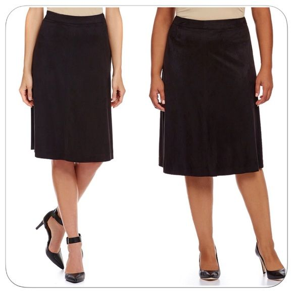 """♣️ Jones New York Signature Faux Suede Boot Skirt Beautiful and flattering for any body type. Faux suede skirt in black. Waist 18"""" Length 27"""" Width at hem 34"""". Measurements taken lying flat. Side zip with hook & eye closure. This item is brand new but the tag is MIA. 100% polyester. Dry clean.    All items are from a clean, smoke free home  We ❤️ offers but will only be considered by using the """"OFFER"""" option  Trades  Modeling Jones New York Skirts A-Line or Full"""