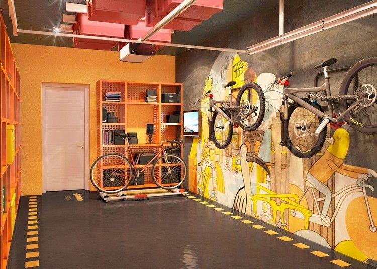 aménagement garage design avec fresque murale, peinture jaune et