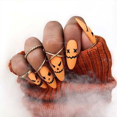 23 Most Beautiful Halloween Acrylic Nails | StayGl
