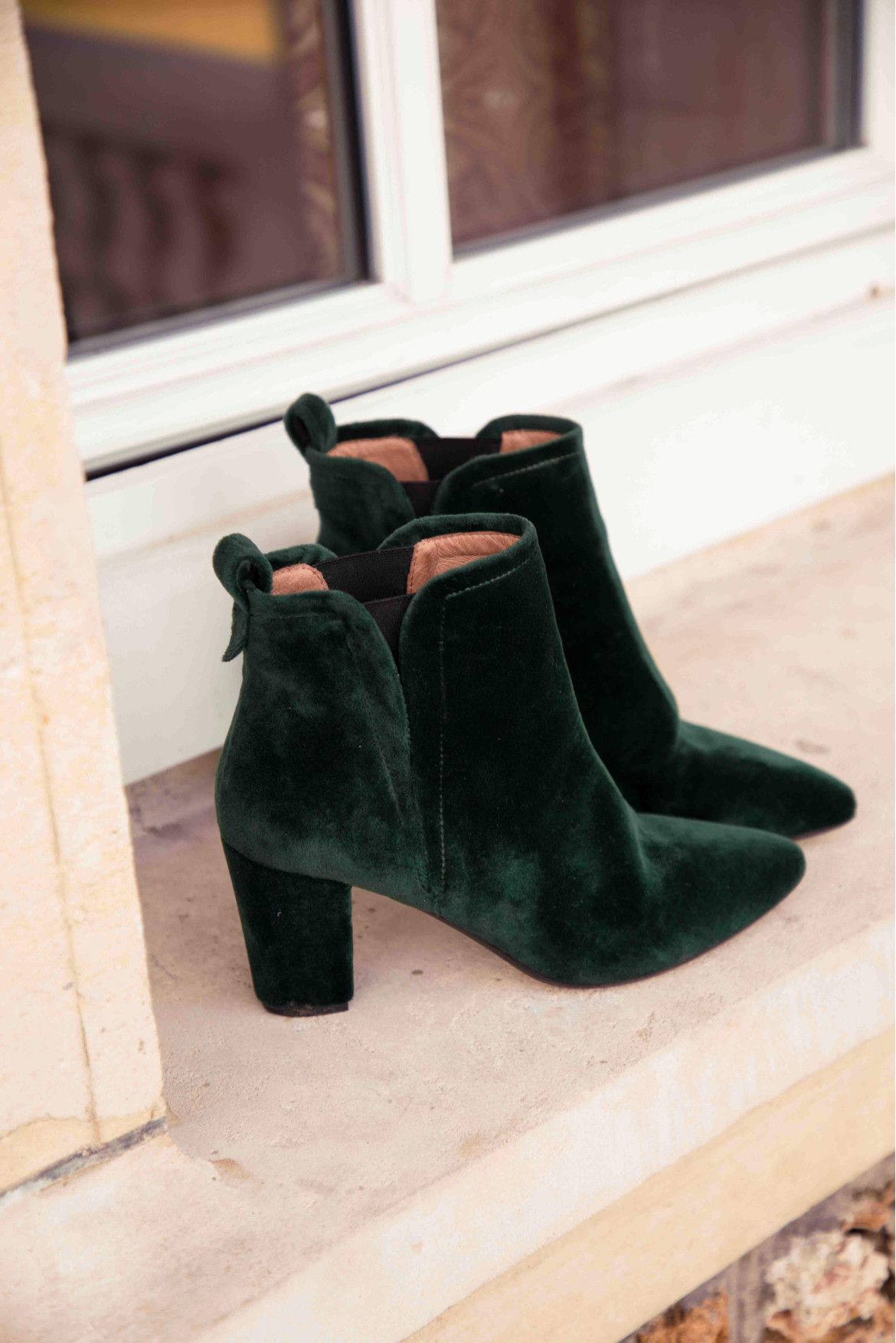 103827a9c20ba6 Bottines Eline en velours vert | The Wardrobe | Shoes, Fashion et Boots