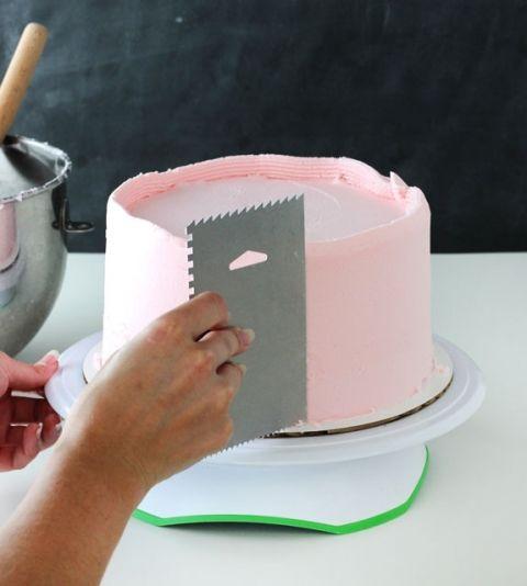 How to frost a smooth cake with buttercream Frosting Smooth and Gifs