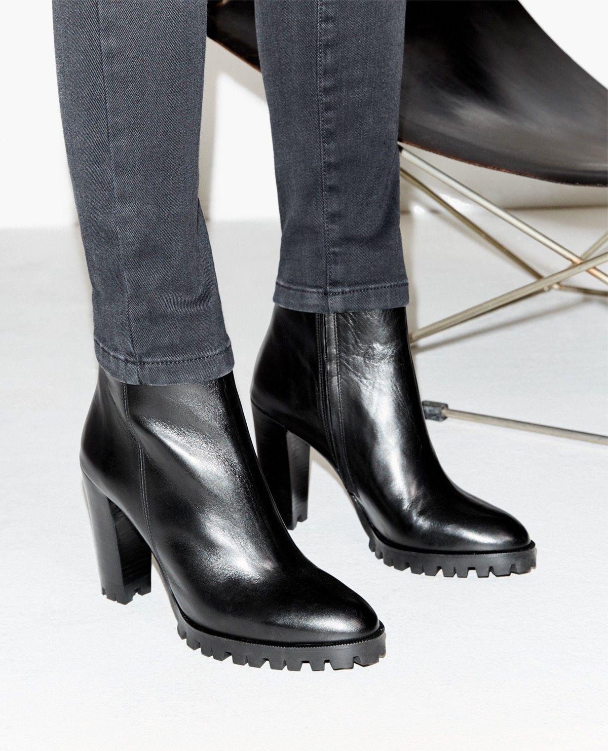 boots en cuir à talons hauts et semelles crantées - chaussures