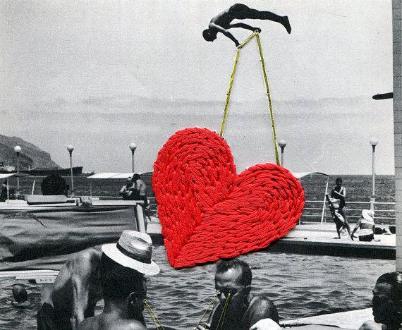 TECHNIQUE MIXTE MAIN BRODÉ PHOTOGRAPHIE  Il sagit dune oeuvre dart mixte faite sur une feuille de papier de louvrage intitulé « LAtlas de Voyages : Canaries » par Gilles Lambert (1966). Le papier a été brodé à la main. Le titre de louvrage est: « Le dompteur »  Taille: 6,5 X 8,3 (21,1 cm/16.5 cm)  Signé et daté, titre sur le dos  EXPÉDITION À LA FRANCE  Cet article est fourni avec un numéro de suivi  Nous faisons de notre mieux pour photographier nos objets dart comme exactement que…