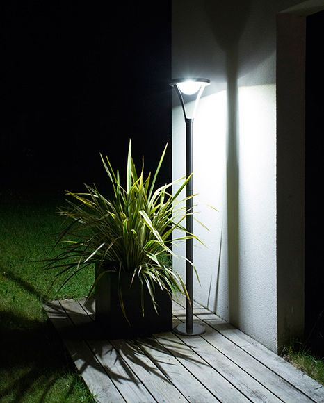 Farola xanlite ref 16474815 leroy merlin iluminaci n - Iluminacion exterior jardin ...