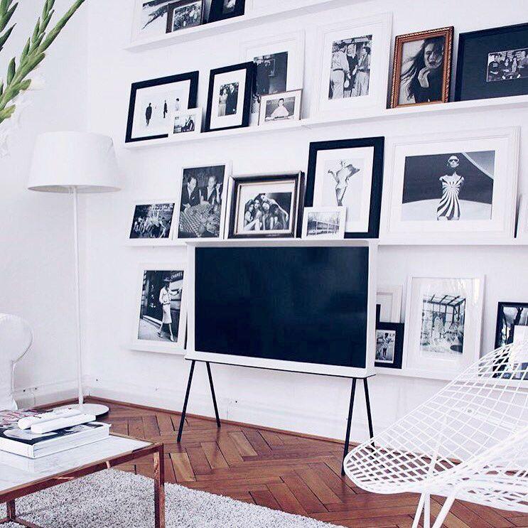 Retro Redefined: The Samsung Serif TV | Fotowand