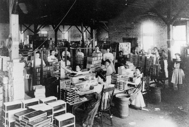 Women cigar packers at the second cigar factory in Ybor