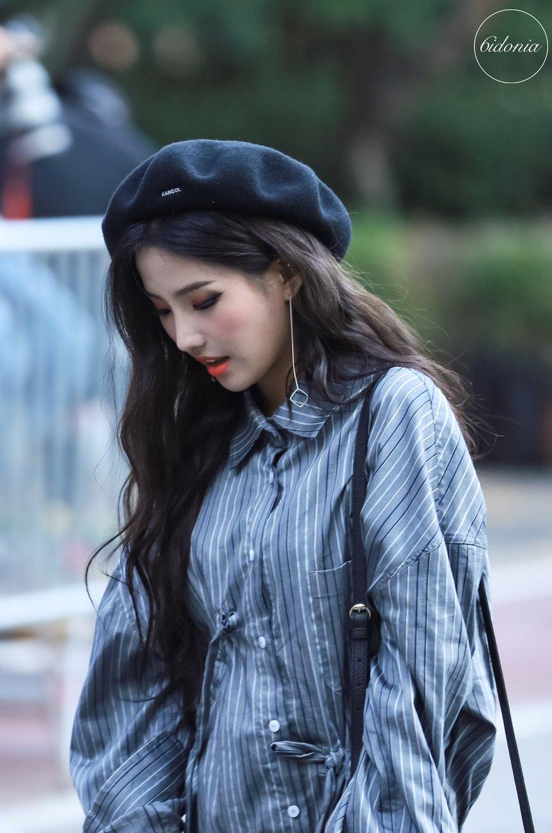 10 Fashionable Female Idols Who Know Ulzzang Girl Female Kpop Girls
