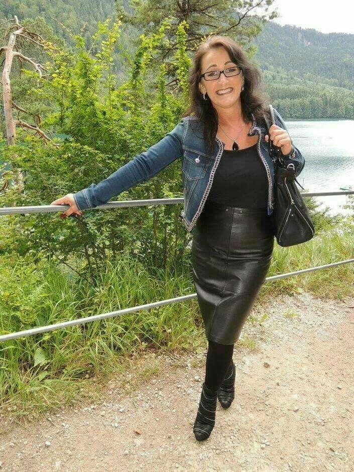 Amateur Milf In Boots