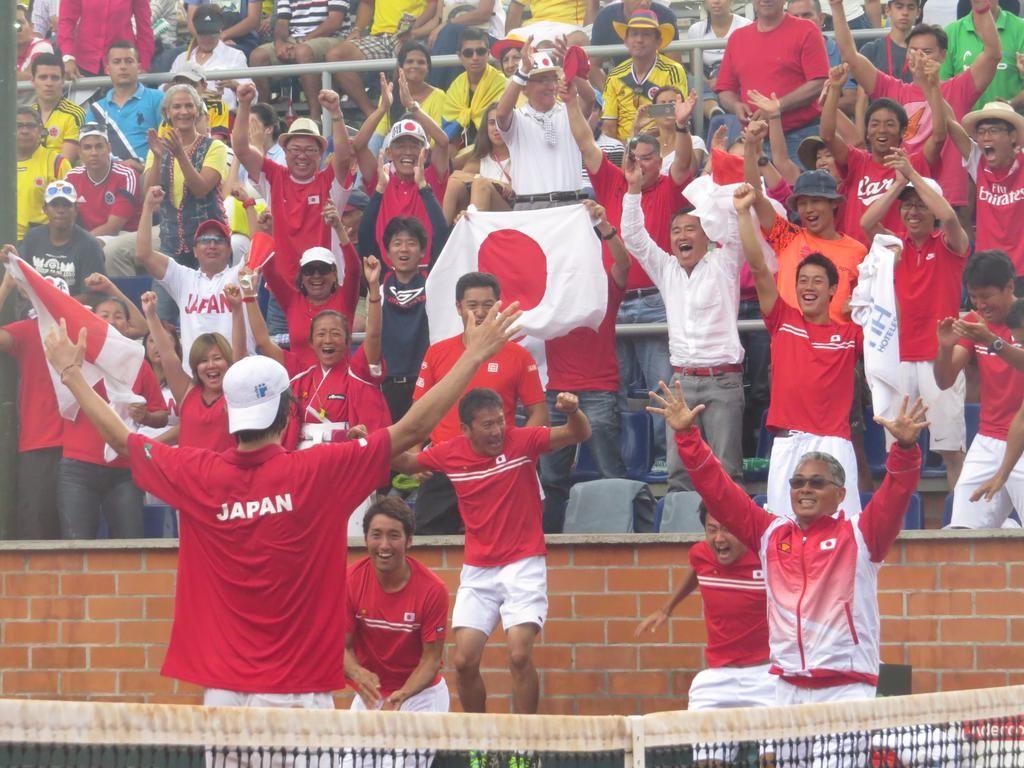 La serie fue para Japón. Taro Daniel ganó 7-6 6-3 6-2 a Falla y le dio el punto definitivo.