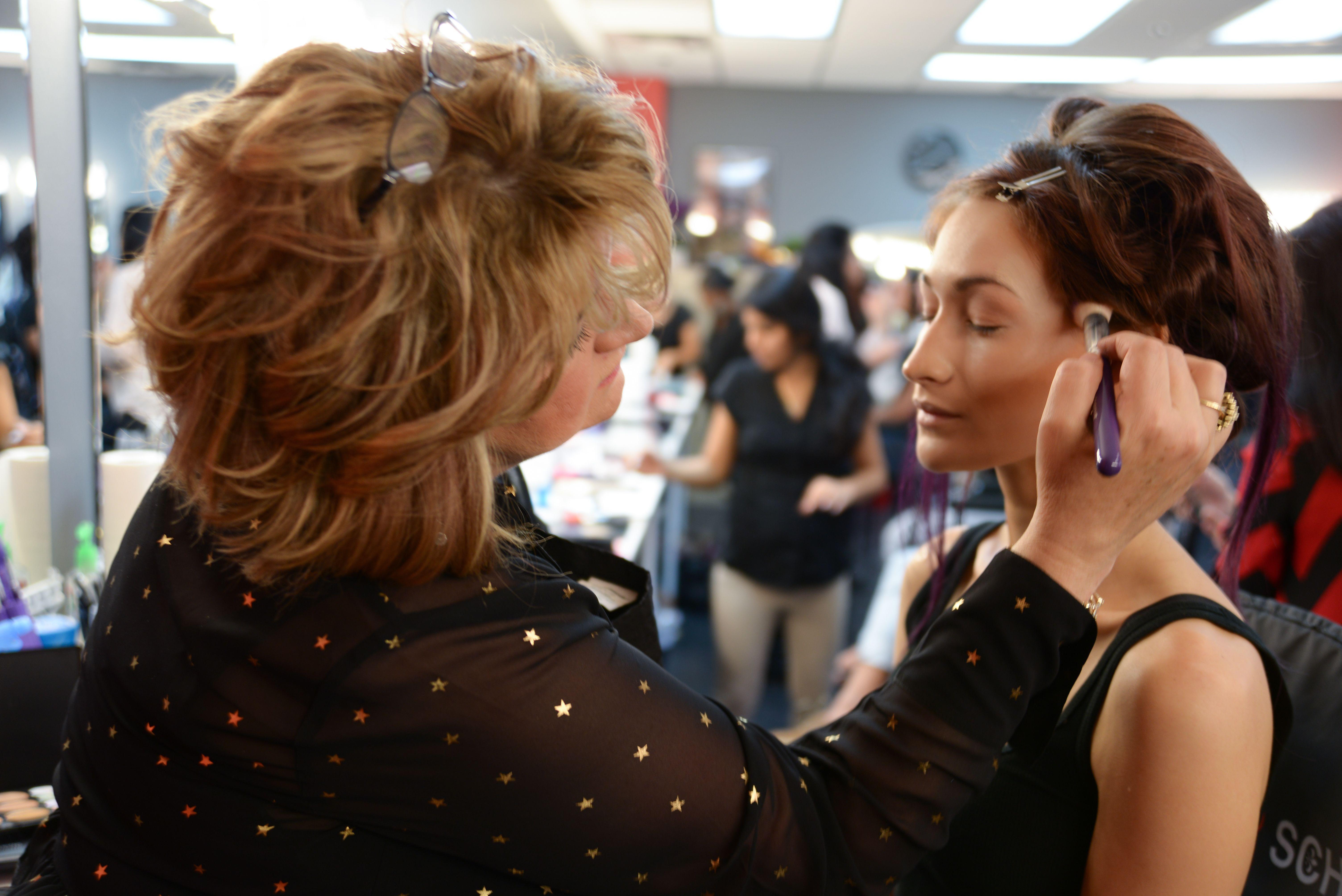 Professional Makeup Artist Classes At Cmc Makeup School International Https Www Cmcmakeupschoo Event Makeup Makeup Artist Schools Professional Makeup Artist