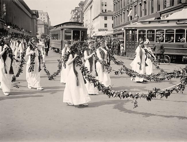 Suffragette Marchers; Woman Suffrage Parade, May, 1914. It was made 1914 May by Harris & Ewing.