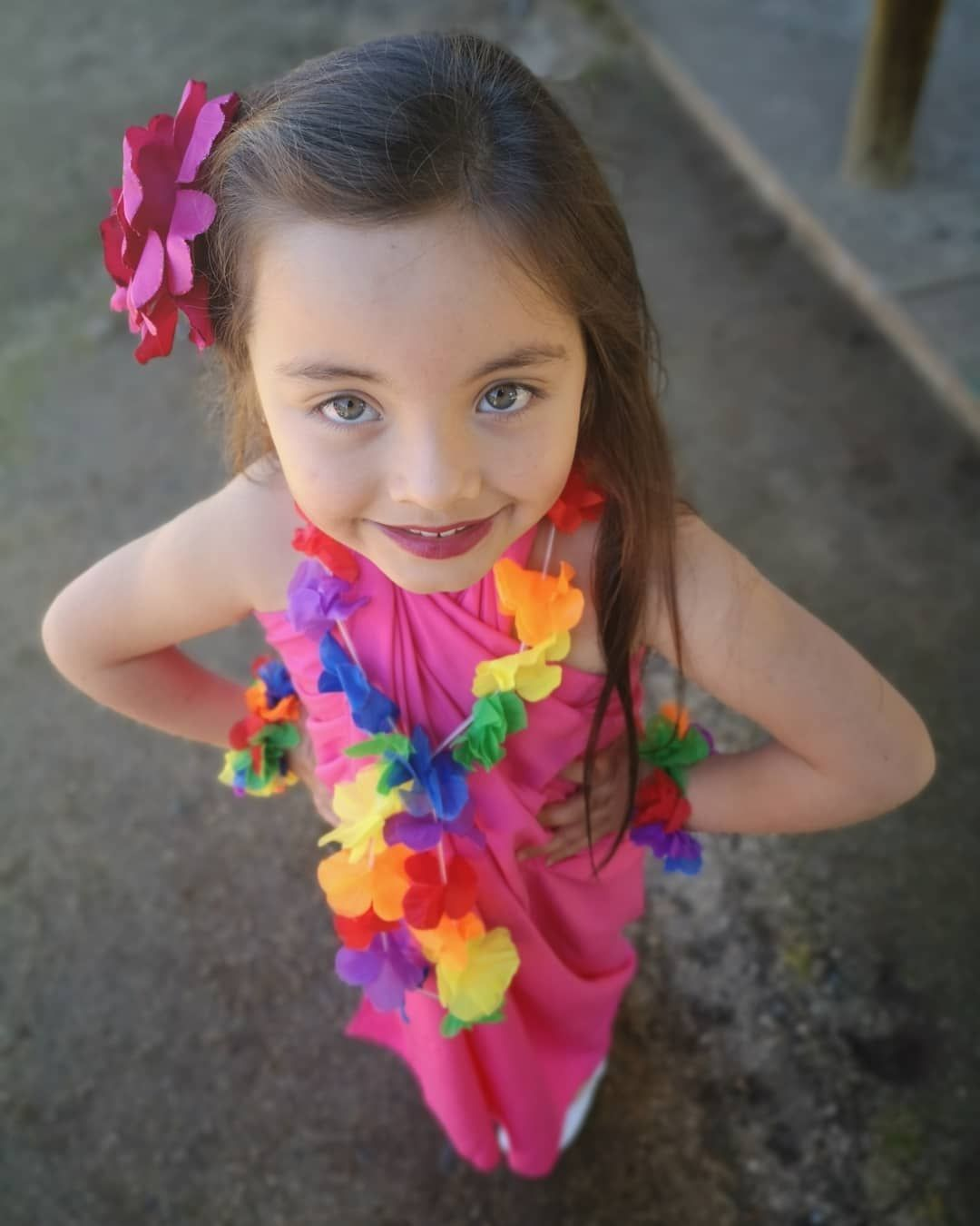 Inlove 🇨🇱💓🥰 . . . . . . . #chileno #chilenidad #folk #music #folklore #inlove #tío  #sobrinos #Family #familia #amor #love #instagram #followme #style #follow #instadaily #life #moments #love #instantes #inspiration