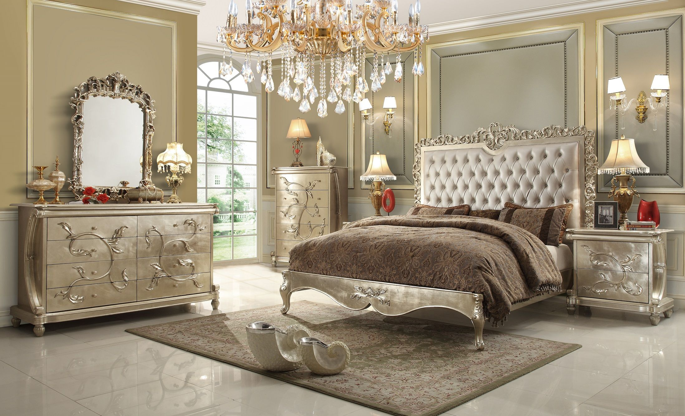 5Pc Homey Design HD Royal Palace Bedroom Set