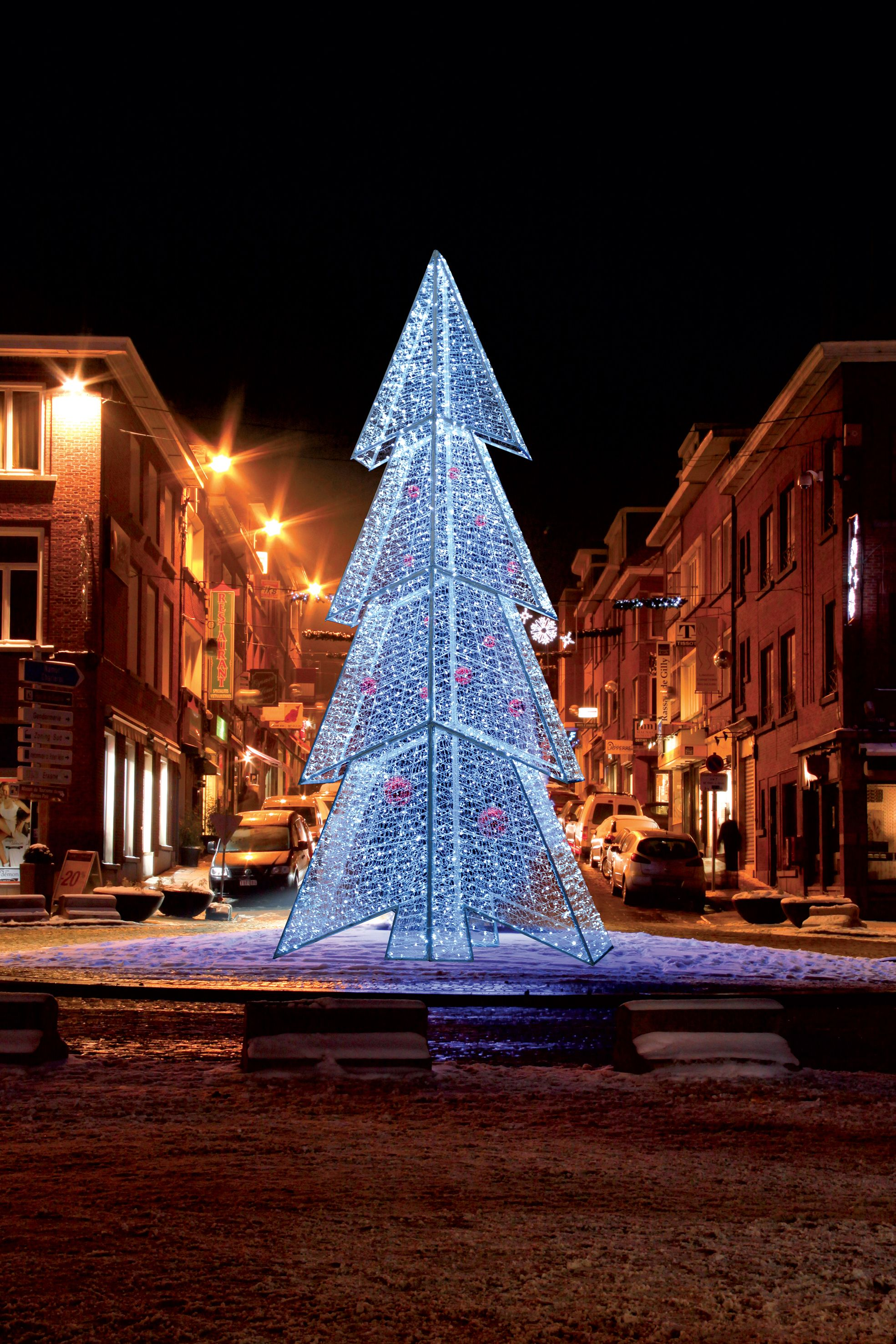 Gigantische verlichte kerstboom LED   Grote kerst bomen   Pinterest ...