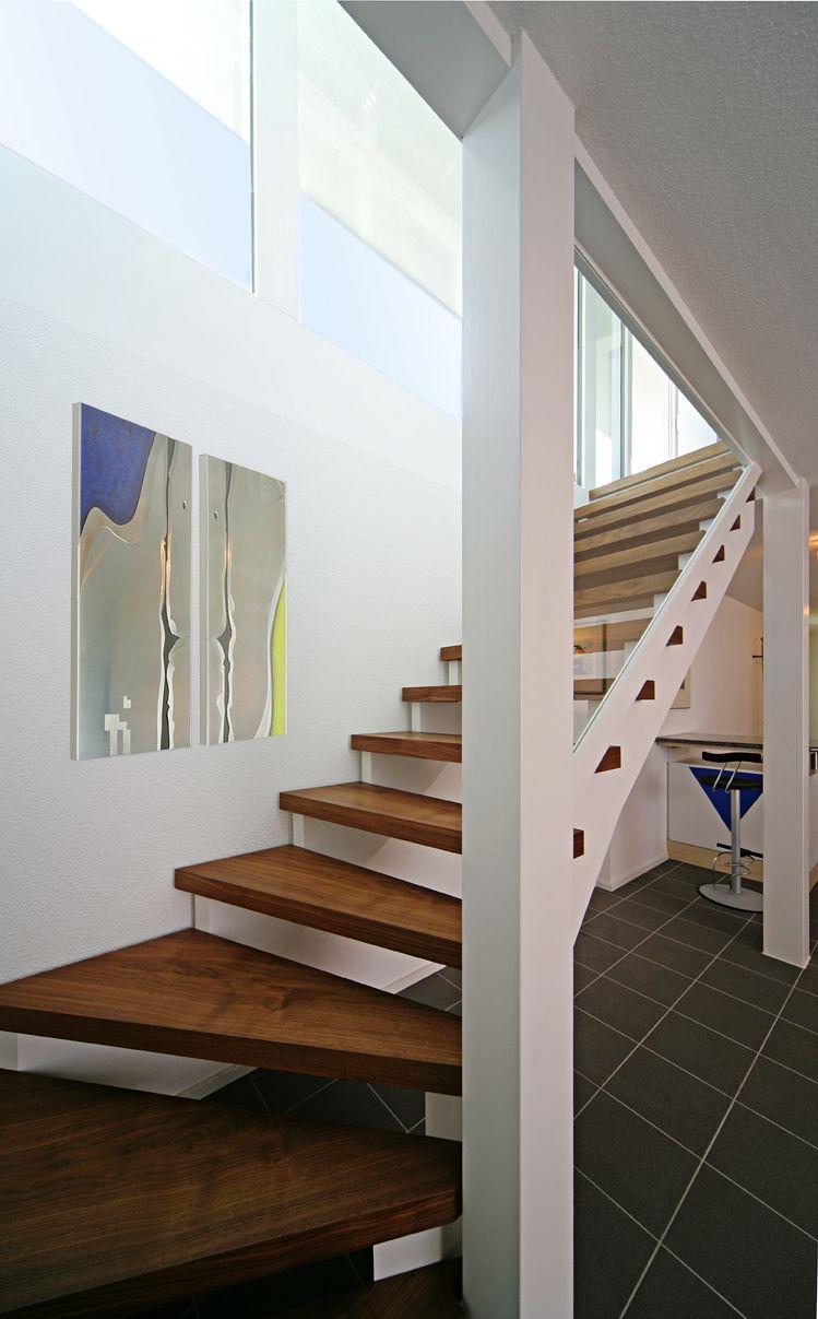 Weiße Holztreppe davinci haus treppe stairs die atmosphäre eines unserer häuser