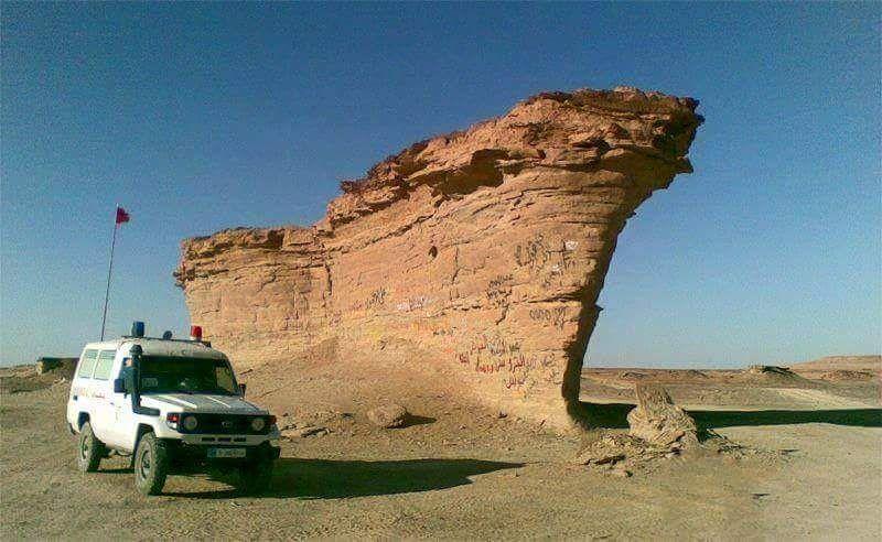 """هذا المعنى الحقيقي لسفينة الصحراء!  """"صخرة في الجنوب الليبي على هيئة سفينة""""  #ليبيا #libya #انا_ليبيا #mylibya"""