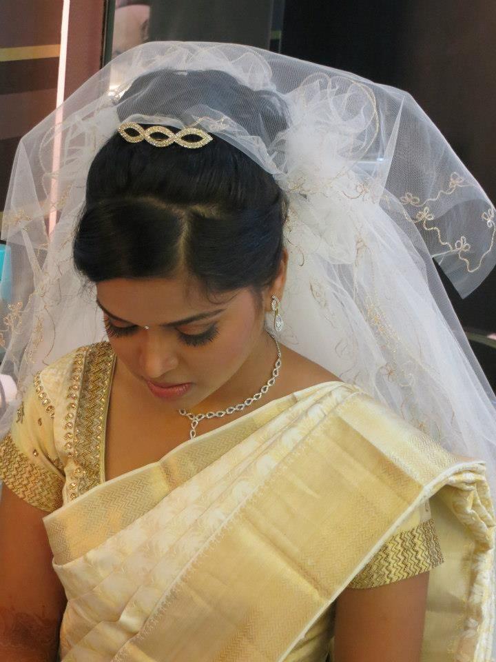 Expert Speaks Celebrity Stylist Answers Top Bridal Makeup Queries