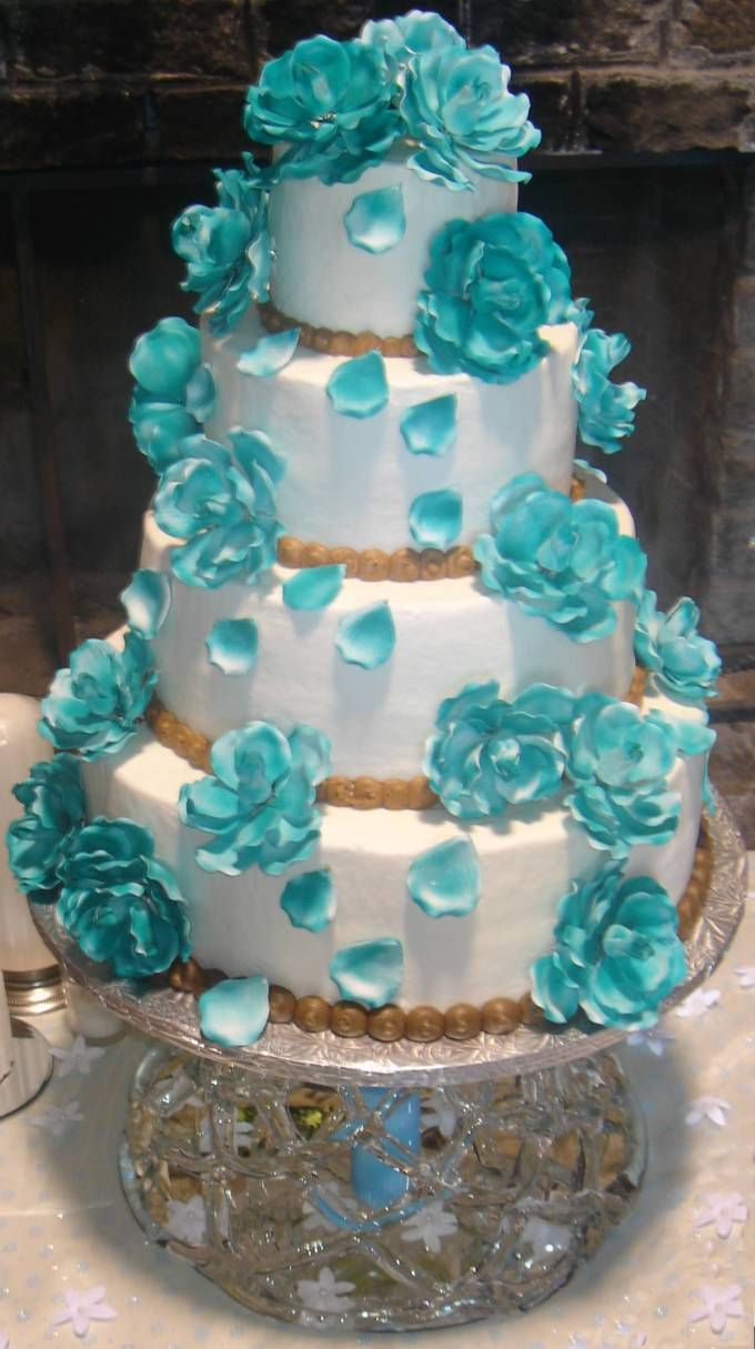 Wedding decorations royal blue  Wedding cake  Wedding inspiration  Pinterest  Wedding cake and