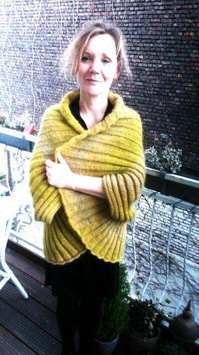 Seelenwärmer XL | Einfach. Schön! Einfach gestrickt aus wunderschönen Garn. Zauberball 100 von Schoppel Wolle und Kid Mohair Extraklasse von Atelier Zitron. #ponchosweater