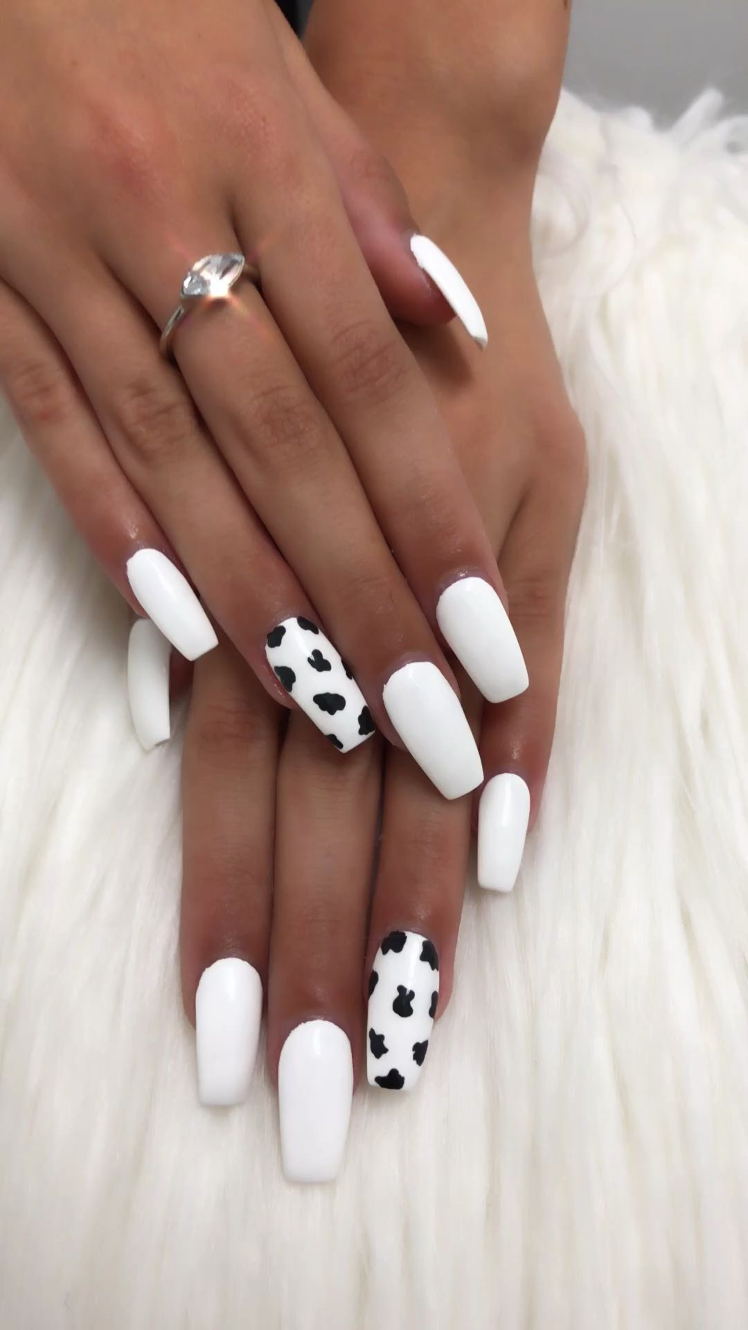 Cow Print Pondering Offering Oneself A Good At Home Manicure Although Wanting Quite A Few Enthusiasm Simp In 2020 Acrylic Nails Coffin Short Cow Nails Vintage Nails