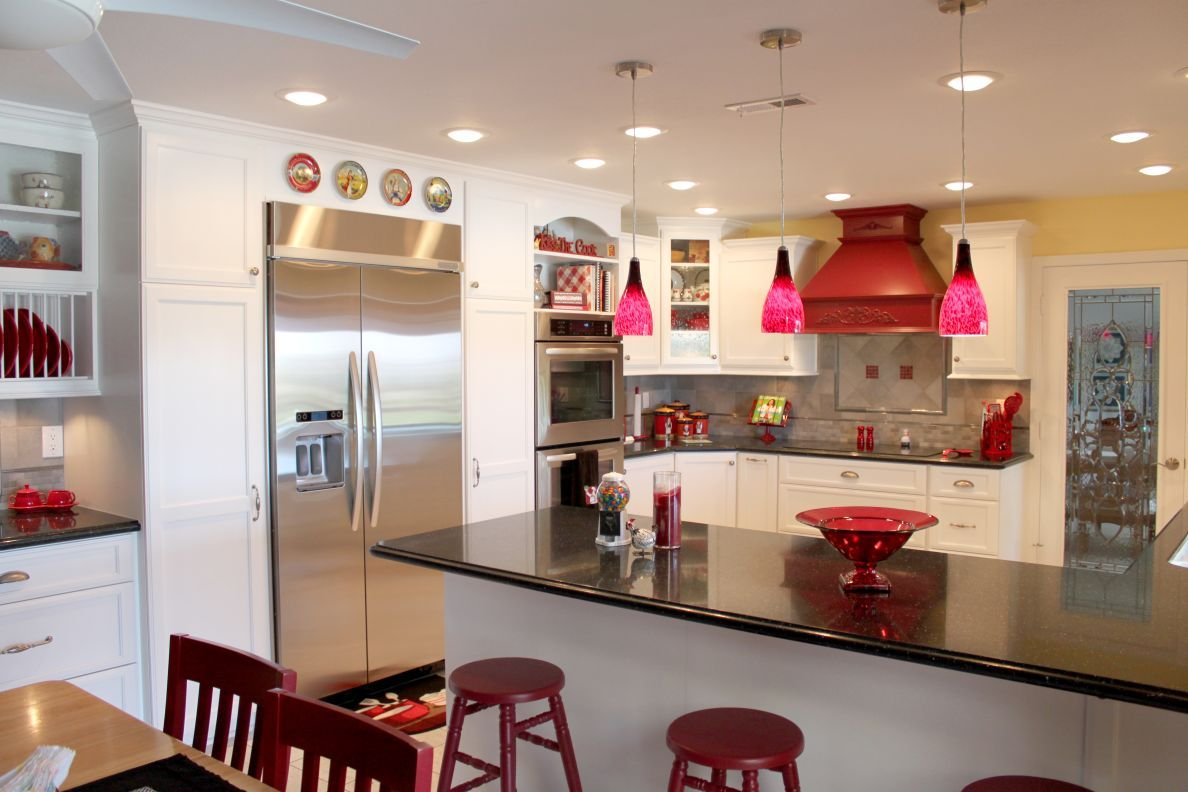 Superb 5 Kitchen Lighting Trends From Mr. Cabinet Care. Red Pendant ...