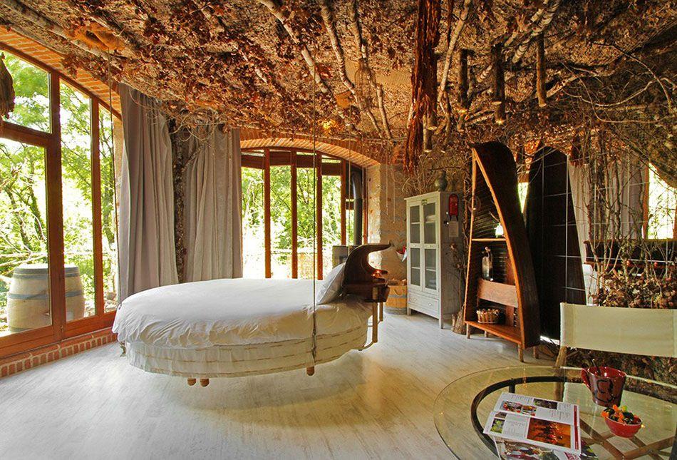 la literie originale o lorsque le lit suspendu ne finit pas de nous enchanter bedrooms. Black Bedroom Furniture Sets. Home Design Ideas