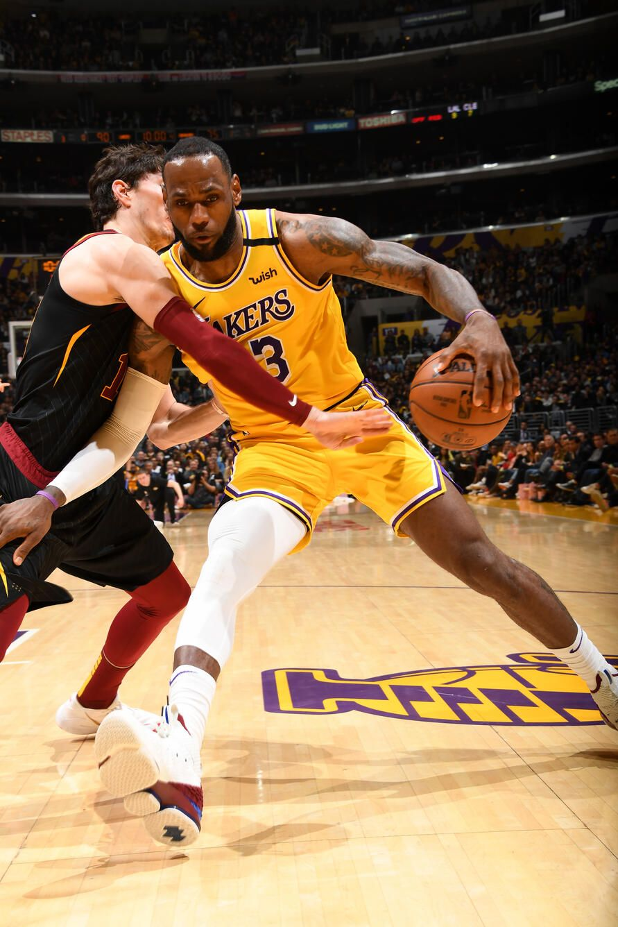 Photos Lakers Vs Cavaliers 01 13 2020 Los Angeles Lakers In 2020 Lakers Vs Los Angeles Lakers Nba Lebron James