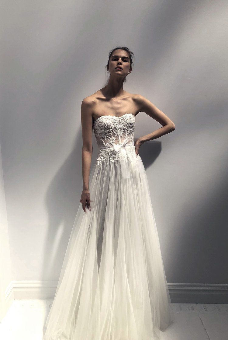 These Designer Wedding Gowns Are Perfect For The Haute Couture Bride Structure Dimension And Fabric Work Together To Create Looks Reminiscent Of Old