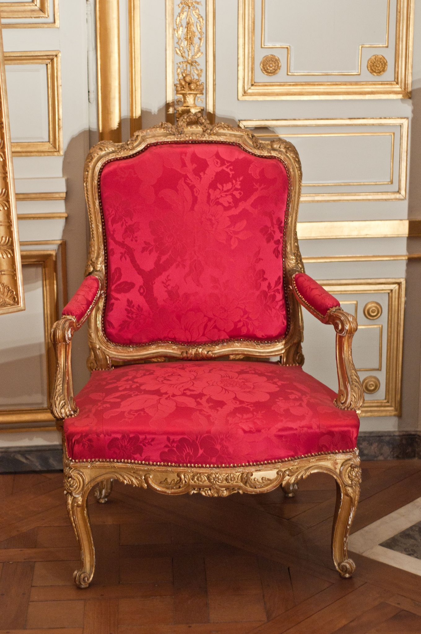 Fontainebleau French Style Chairs Georgian Furniture Luxury Furniture