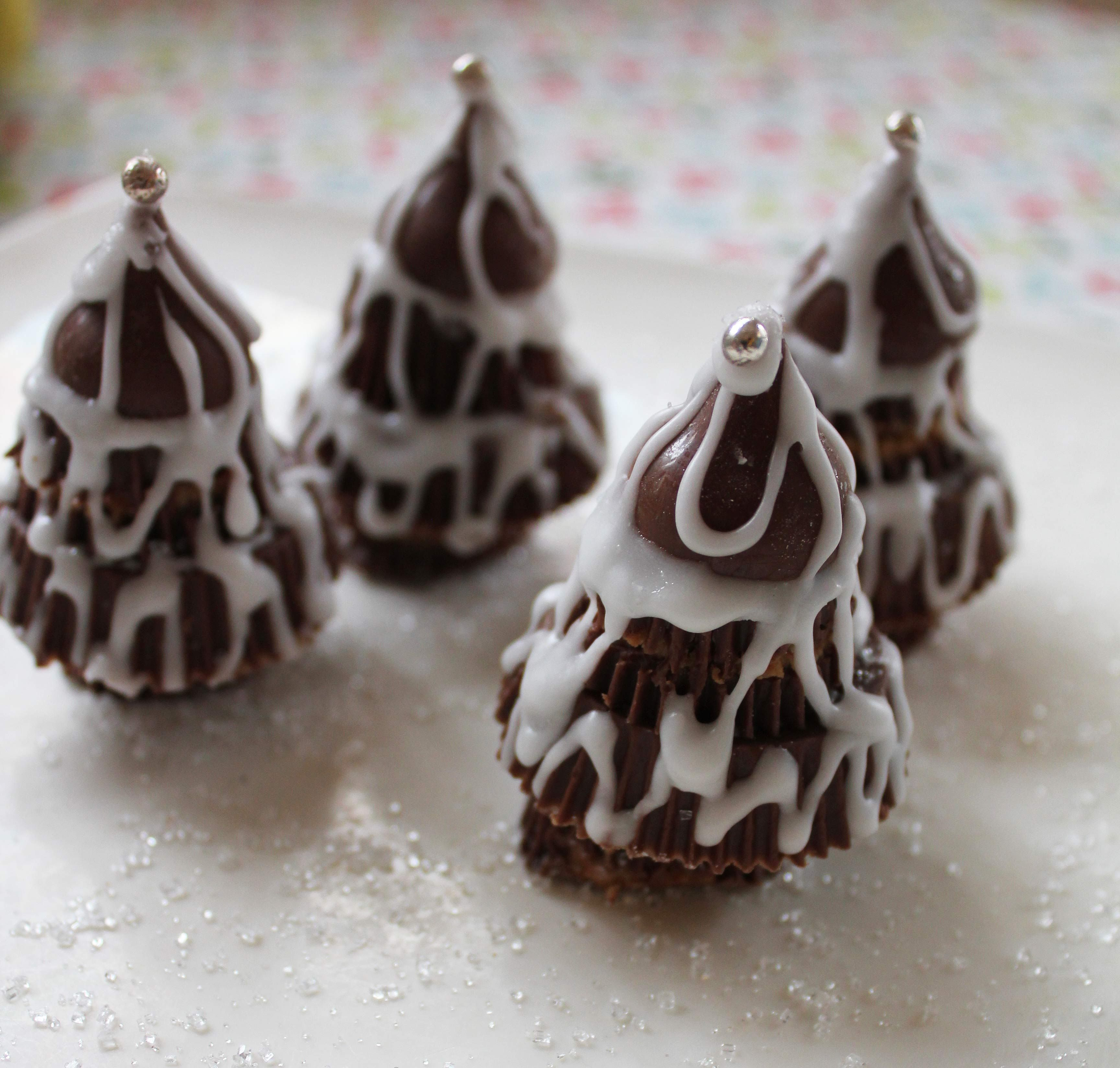 Mary Nersessian – Frosty peanut butter cup Christmas trees ...
