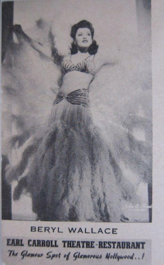 40s Hollywood Risque Burlesque Post Card, Earl Carroll Theatre, 1940s Souvenir Postcard, Beryl Wallace