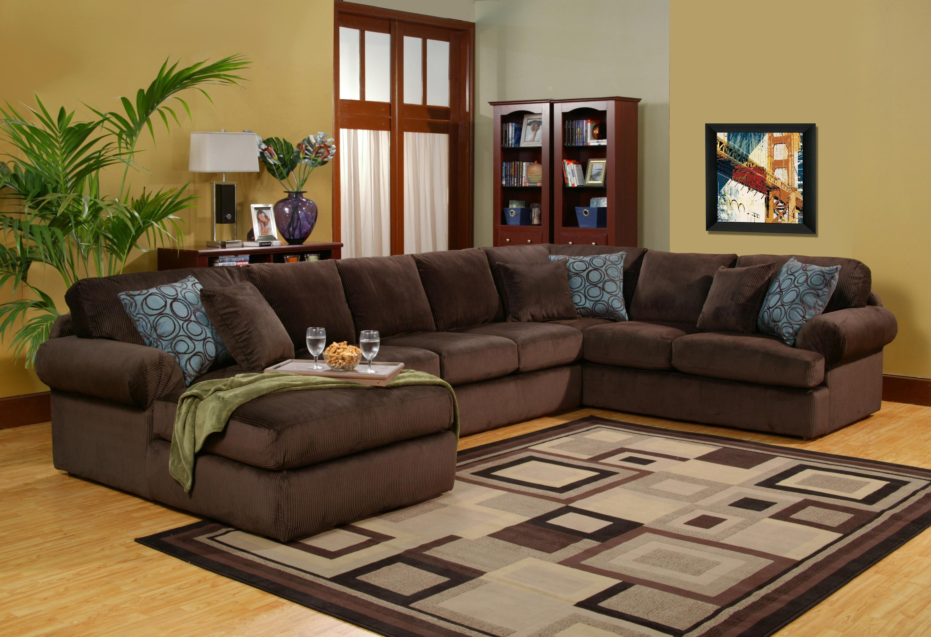 Scottsdale 4 pc Sectional with LAF Chaise by Robert Michael