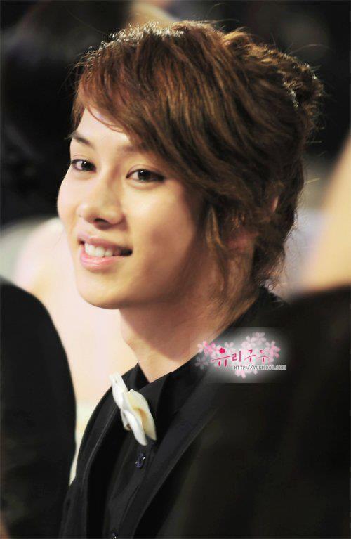 Kim Heechul gahhhh teach me how to be pretty like you