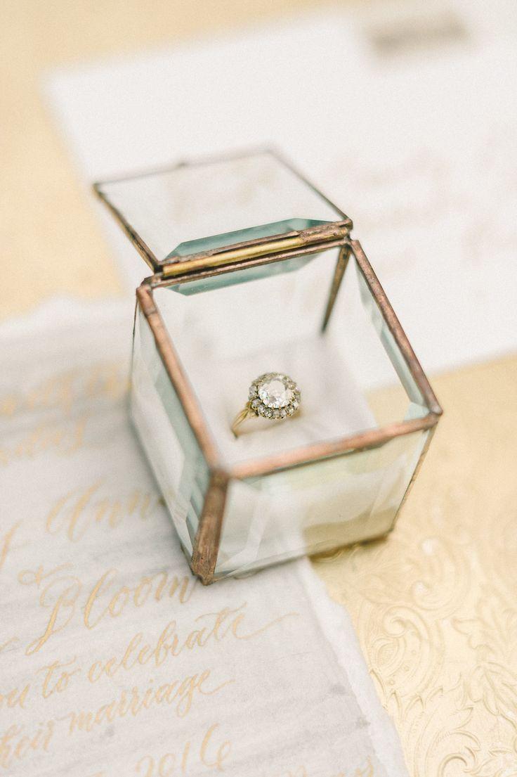 soft and elegant organic vintage wedding inspiration | vintage